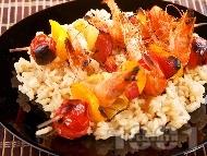 Плодово-зеленчукови шишчета със скариди на скара